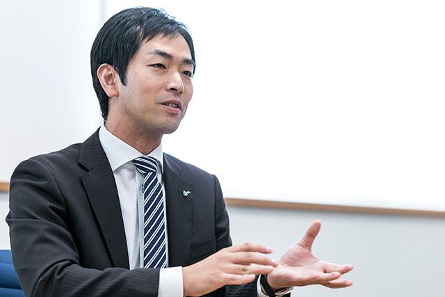 専務取締役 里村俊介